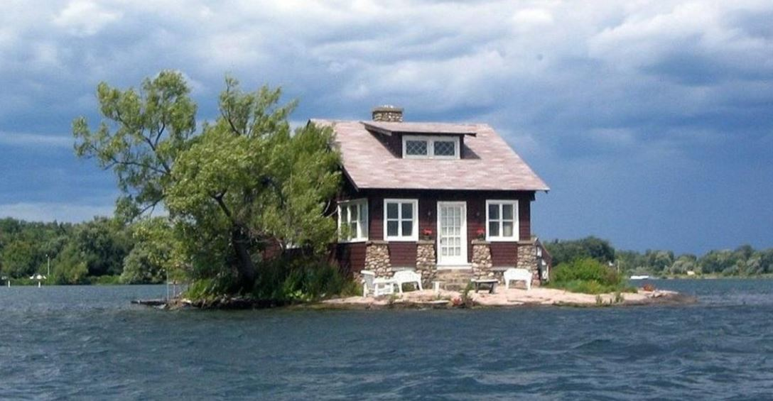 isla pequeña inhabitada