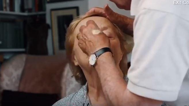 maquillaje para personas ciegas