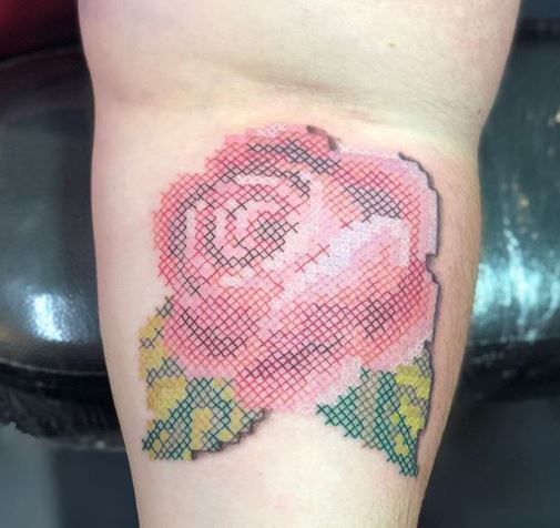 tatuajes que parecen bordados