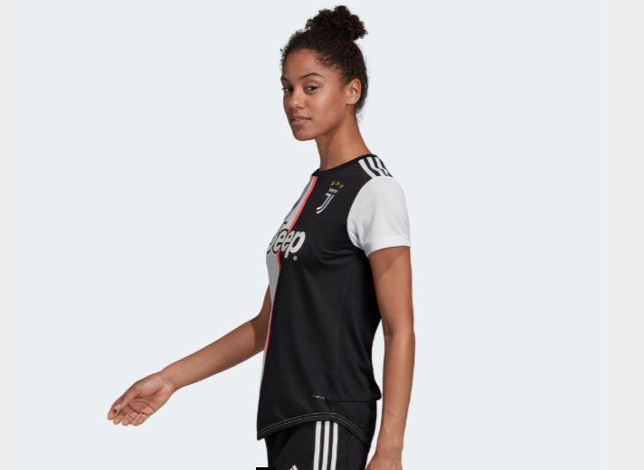 camiseta del Juventus de Adidas