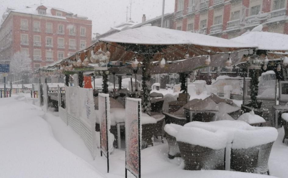 nevada en madrid terraza en plaza luna